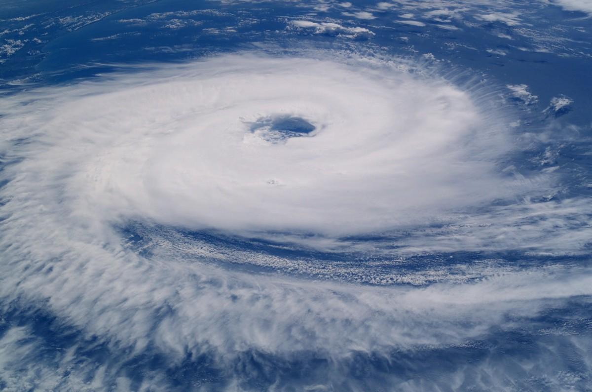 prepare your roof for hurricane season